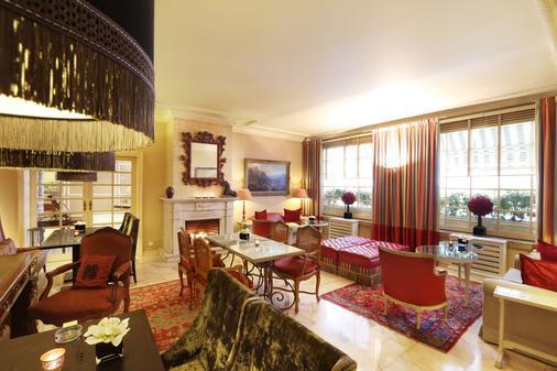 Hotel Lisboa Plaza, A Lisbon Heritage Collection - Lisbon - Front desk