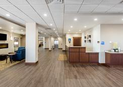 Comfort Inn & Suites Event Center - Des Moines - Lobby