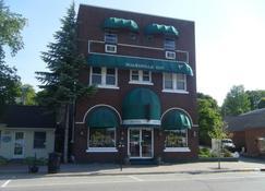Boardwalk Inn - Saint Ignace - Building