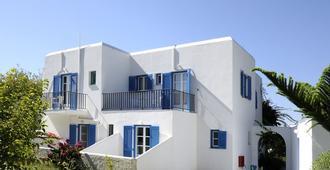 Bizas Rooms & Studios - Πάρος