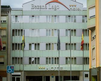 Hotel Bezana Lago - Santander - Building