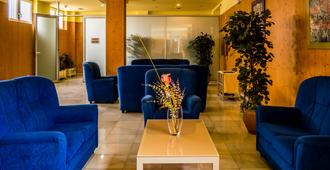 Hotel Bezana Lago - Santander - Sala de estar