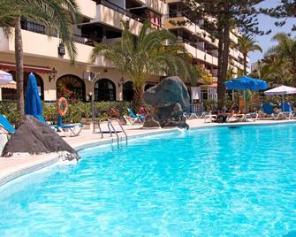 Hotel Rey Carlos - San Bartolomé de Tirajana - Pool