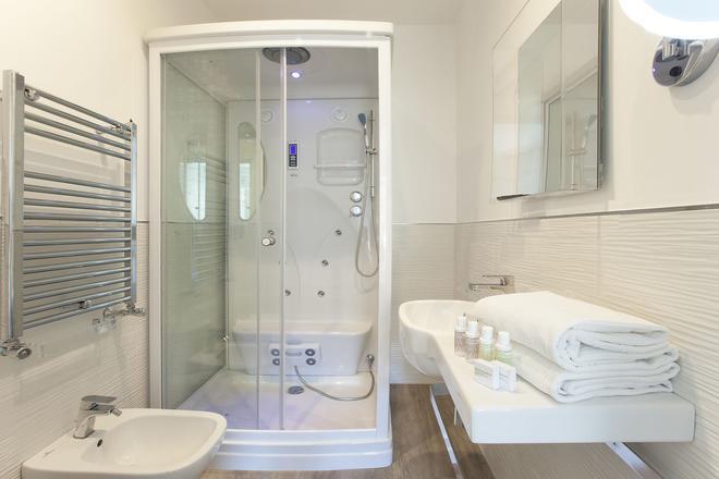 Vhome - Sorrento - Bathroom