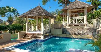Hedonism II Resort - Negril - Bể bơi
