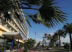 Radisson Blu Hotel, Nice - Nice - Kolam