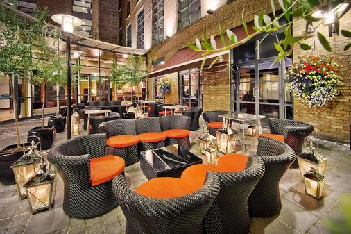 都柏林希爾頓酒店 - 都柏林 - 都柏林 - 酒吧