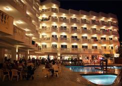 Hotel Bernat II - Calella - Uima-allas