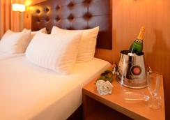 Hotel Sachsentor - Hampuri - Huoneen palvelut