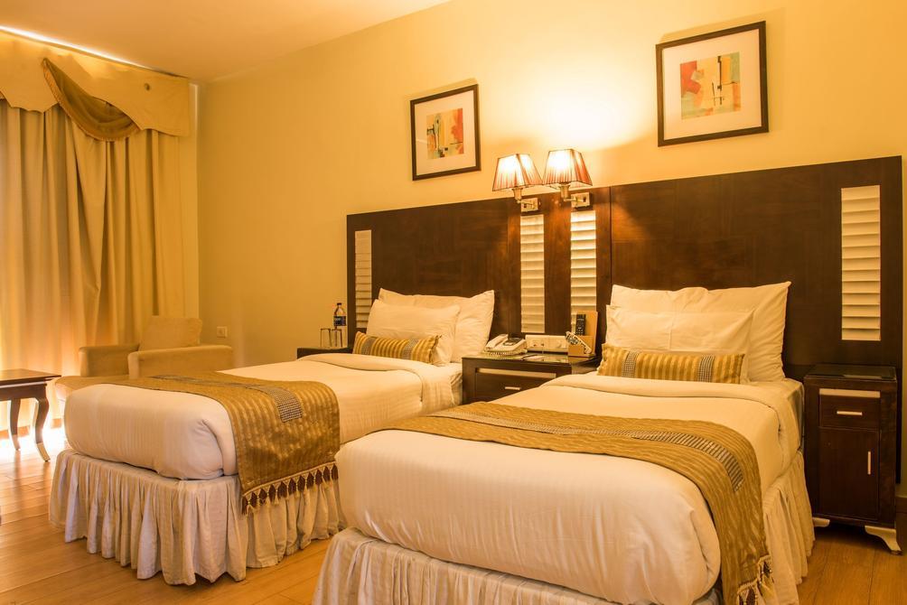The Red Maple Mashal ₹ 5,243 (₹̶ ̶5̶,̶8̶8̶1̶)  Indore Hotel Deals