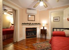 Birchwood Inn - Lenox - Wohnzimmer