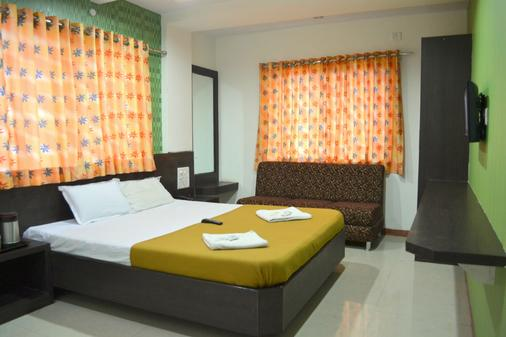 Hotel Sai Kamal - Shirdi - Bedroom