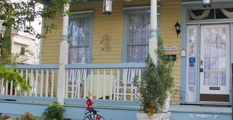 Penny Farthing Inn - St. Augustine - Building