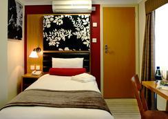 Astors Hotel - Λονδίνο - Κρεβατοκάμαρα