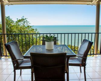 Amaroo at Trinity - Trinity Beach - Balcony