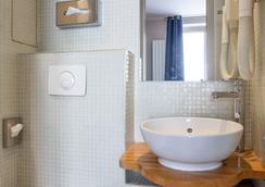 快樂文化小貝洛伊聖杰緬酒店 - 巴黎 - 巴黎 - 浴室
