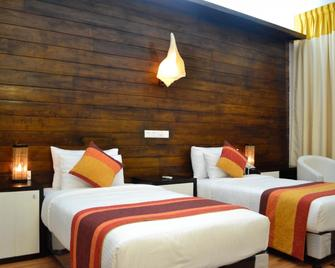 Green Grass Hotel & Restaurant - Jaffna - Bedroom
