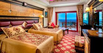 Club Hotel Sera - אנטליה
