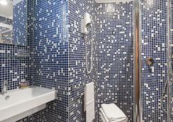 Hotel Portoghesi - Rome - Bathroom