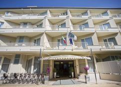 Grand Hotel - Forte dei Marmi - Edificio
