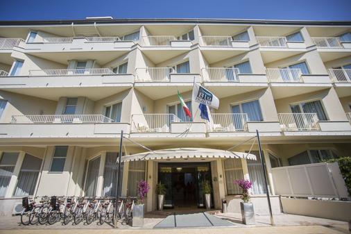 Grand Hotel - Forte dei Marmi - Rakennus