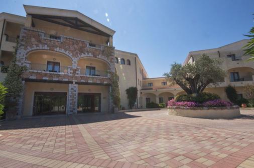 莫利斯科藍色鄉村酒店 - 阿札切納 - 阿爾扎凱納 - 建築