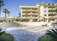 Hotel Village Paradise - Marina di Mandatoriccio - Building