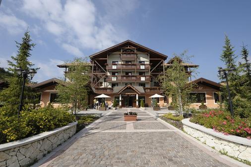 高爾夫酒店 - 福爾加里亞 - 福爾加里亞 - 建築