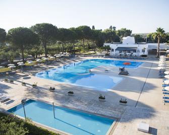 Dolmen Sport Resort - Minervino di Lecce - Басейн