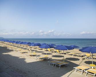 Park Hotel I Lecci - San Vincenzo - Spiaggia