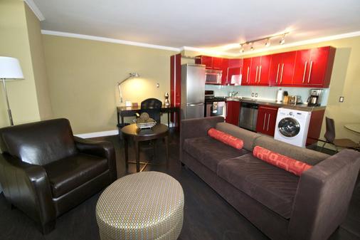 O Stays Ovation - Calgary - Living room