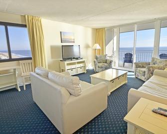 Carousel Resort Hotel & Condominiums - Ocean City - Living room