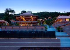 Villa Zolitude Resort & Spa - Чалонг - Building