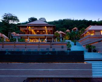 Villa Zolitude Resort & Spa (Sha Plus+) - Chalong - Building
