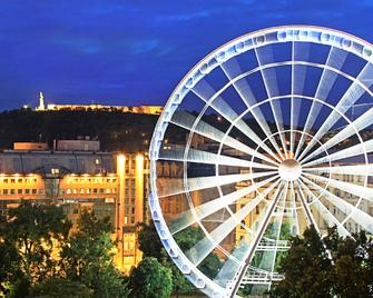 Kempinski Hotel Corvinus Budapest - Boedapest - Gebouw