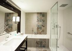 Park Hôtel Grenoble - Mgallery - Grenoble - Bathroom