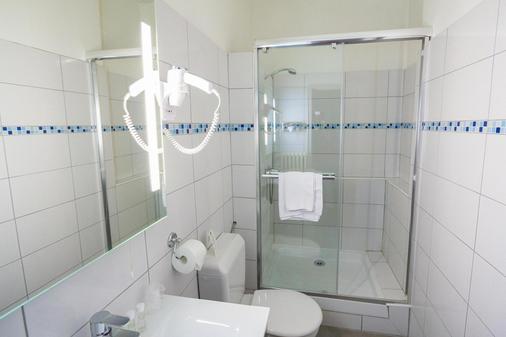 Hôtel De L'europe Grenoble Hyper Centre - Grenoble - Bathroom