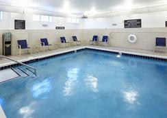 Residence Inn by Marriott Durham McPherson/Duke University Medical Center Area - Durham - Pool