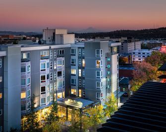 Staypineapple, Watertown, University District Seattle - Seattle - Building
