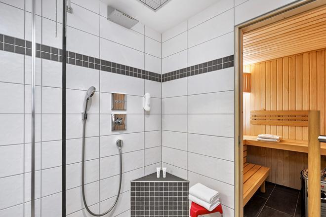 H+ Hotel Ferienpark Usedom - Koserow - Bathroom