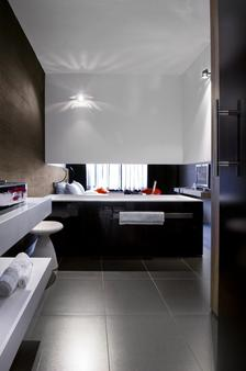 Carbon Hotel - Different Hotels - Genk - Bedroom