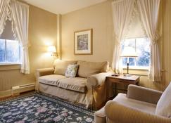 Carlisle House Inn - Nantucket - Living room