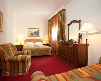 Hotel Globo - Сплит - Спальня