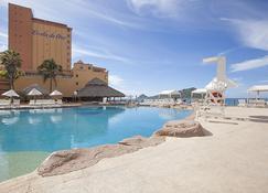 Costa de Oro Beach Hotel - Mazatlán - Pool