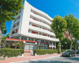 Hotel Caravelle - Cesenatico - Building