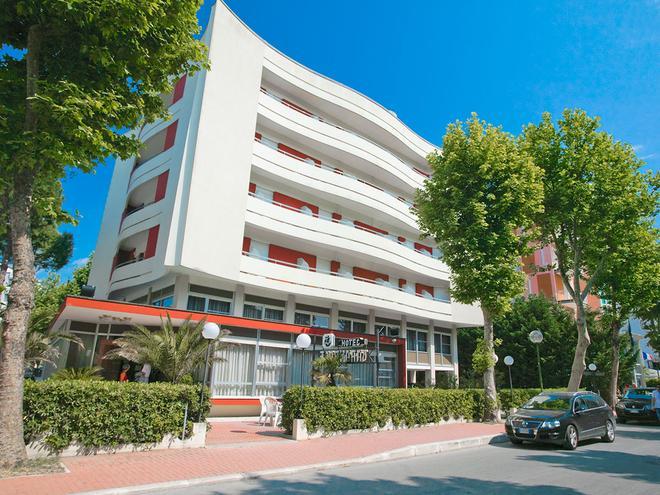 Hotel Caravelle - Cesenatico - Κτίριο