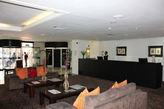 Hotel On St Georges - Cape Town - Front desk