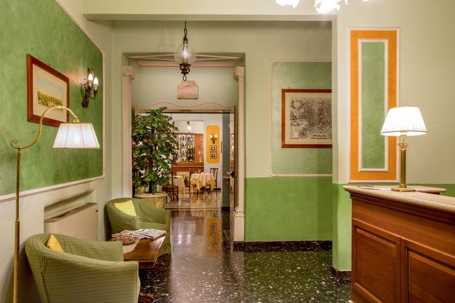 Hotel Centrale - Rome - Hallway