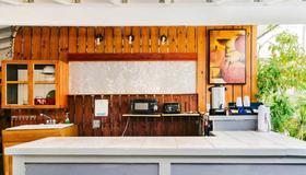 Seashell Motel and International Hostel - Key West - Receptie