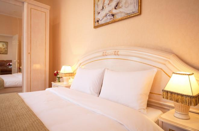 Marins Park Hotel Rostov - Rostov on Don - Bedroom